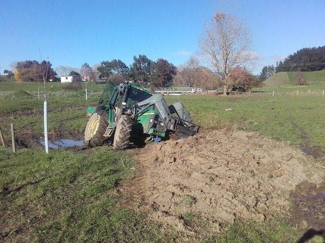 JVG tractor prang Jul17